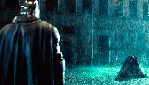 Batman v Superman : la durée du film dévoilée et des images inédites dans un nouveau trailer