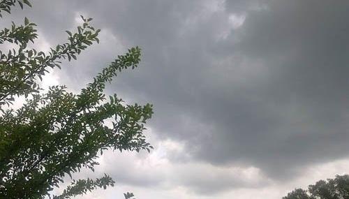 Météo: nuages, gelée et toujours pas de pluies