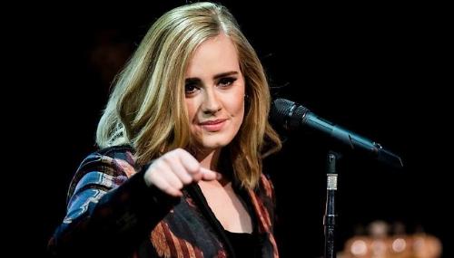 Adele a battu des records de vente aux Etats-Unis en 2015