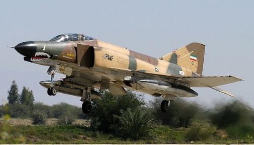 Iran: deux morts dans le crash d'un avion militaire d'entraînement