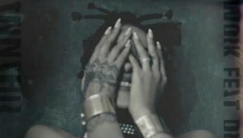 """""""Work"""" : Rihanna dévoile un nouveau single en feat. avec Drake"""