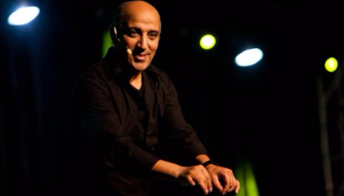 Hassan El Fad lance son café-théâtre [Vidéo]
