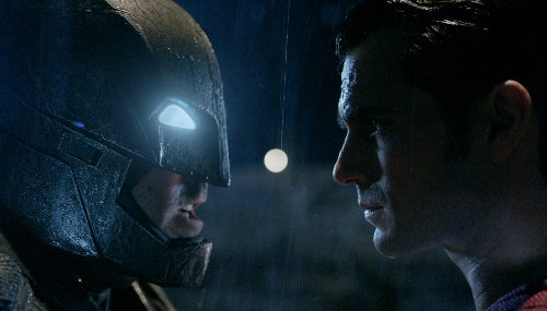 Batman Vs Superman bat le record du meilleur démarrage mondial pour un film de super-héros