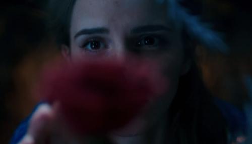 Premier trailer mystérieux de La Belle et la bête avec Emma Watson