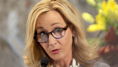 J.K. Rowling s'attaque aux fans racistes de Harry Potter
