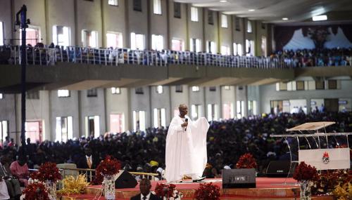 Un pasteur nigérian arrêté pour avoir enchaîné et affamé son fils