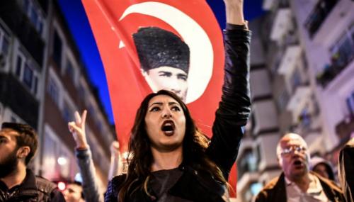 L'opposition turque conteste à nouveau le référendum devant la justice