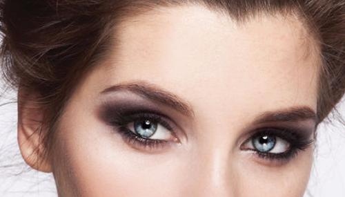 Je choisis quel make-up pour mes yeux bleus ?