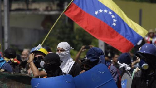 Venezuela: Sanctions économiques de Washington, les défilés continuent
