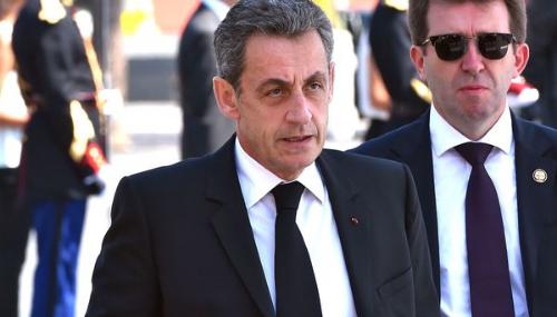 Nicolas Sarkozy passerait son temps à s'emmerder devant la télé