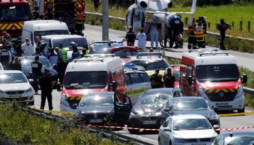 Attaque contre des militaires à Levallois-Perret: le suspect transféré dans un hôpital parisien