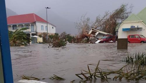 L'Ouragan Irma fait 9 morts et poursuit sa route