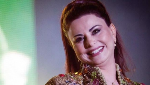 Nouveau look: Latifa Raafat persiste et signe