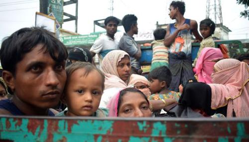 Bloqués entre la Birmanie et le Bangladesh, l'exode impossible des Rohingya