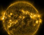 Pourquoi la couronne solaire est aussi chaude