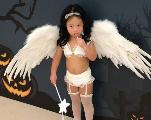 Une maman choque la toile en déguisant sa fille de deux ans en mannequin de lingerie sexy !
