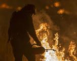 Un incendie encore très actif en Californie, Santa Barbara menacé