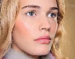 Tendance make-up 2018 : comment réussir mon teint ultraminimaliste ?