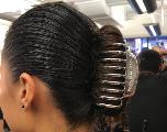 Cheveux : bientôt le retour de la grosse pince ?