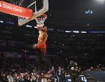 Donovan  Mitchell remporte le concours de dunk devant Larry Nance Jr