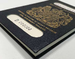 Les futurs passeports britanniques seront fabriqués en France