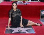 PHOTOS. Eva Longoria inaugure son étoile sur le Walk of Fame