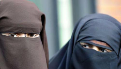 Vers l'interdiction du port du niqab au sein des établissements scolaires