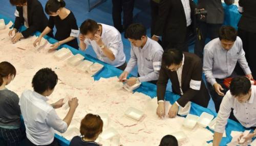 Législatives au Japon : le Premier ministre Shinzo Abe donné gagnant par les sondages
