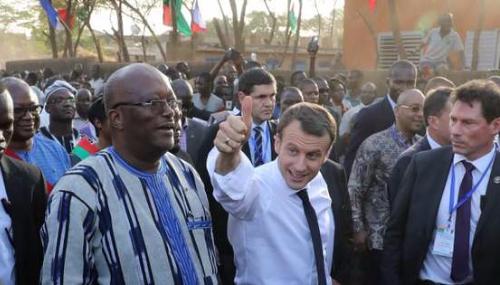 Franc CFA: les propos de M.Macron sont «déshonorants pour les dirigeants africains»