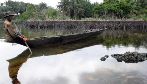 Nigeria: Amnesty International accuse Shell et ENI d'avoir caché les causes de pollution des eaux