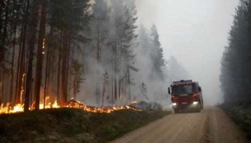 En images : la Suède en proie à de violents incendies