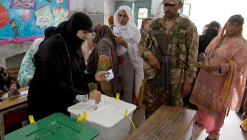 Pakistan : attentat meurtrier à louverture des bureaux de vote pour