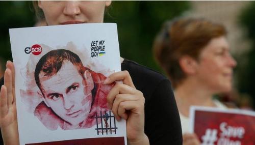 En grève de la faim, le cinéaste ukrainien Oleg Sentsov