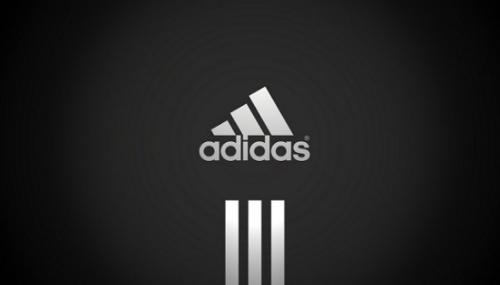 Adidas rappelle des maillots de bain pour enfants de la gamme Infinitex3-bandes
