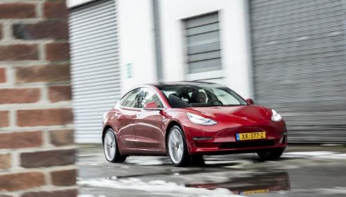 Marché auto Europe: la Tesla Model 3 bat le record des électriques