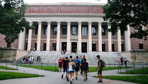 Expulsion des étudiants étrangers : Harvard et MIT attaquent en justice la révocation des visas
