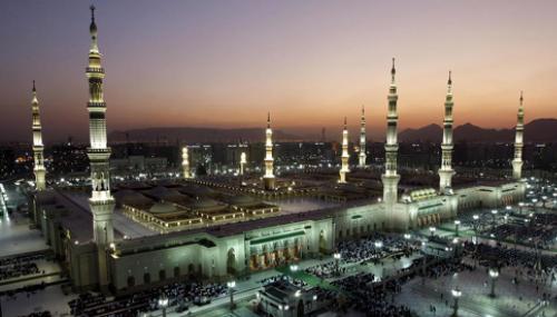 L'Arabie Saoudite annonce la reprise progressive de la Omra