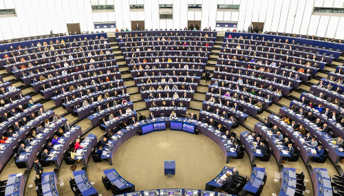 Les eurodéputés appellent à une stricte régulation des GAFA