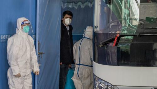 Covid : L'OMS arrive en Chine, qui déplore son premier mort depuis mai