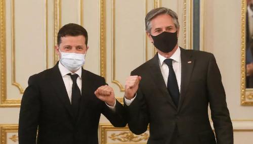 En Ukraine, Blinken appelle Moscou à cesser ses actions