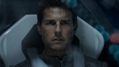 Tom Cruise s'apprête à tourner une scène de son prochain film dans la station spatiale international