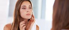 7 gestes qui ruinent notre peau