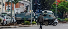 Les Zimbabwéens face à  un avenir incertain, sans Mugabe détenu par l'armée