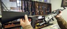 Contrôle des armes à feu : Donald Trump prêt à interdire les